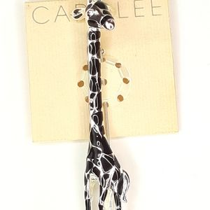 New! CAROLEE Giraffe Brooch Pin